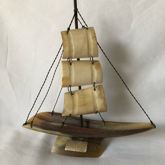 made in Italy Other - Genuine Horn Made in Italy Sail Boat Shark Design